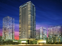 THE SUITES AT ONE BONIFACIO HIGH STREET Bonifacio Global City Unit sizes: 136 to 430 sq.m. Price range: 25.2M to 163.4M