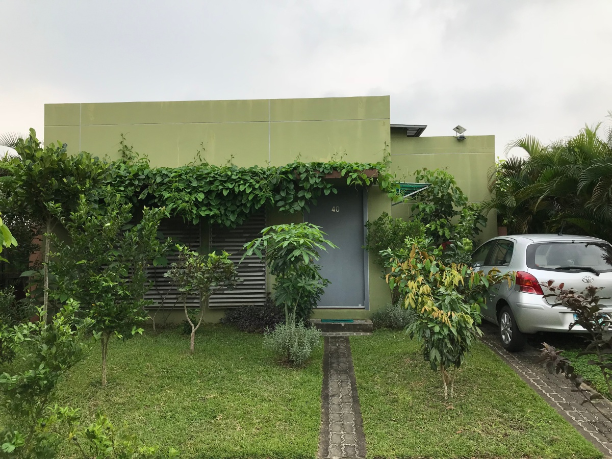 Rare bungalow house for sale at treveia nuvali laguna for Bungalow home for sale